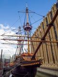 LONDON/UK - SEPTEMBER 12: Närbild av den guld- hinden i London Fotografering för Bildbyråer