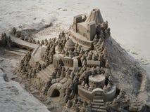 LONDON/UK - 12 SEPTEMBRE : Sculpture en sable sur la banque du Riv Images libres de droits