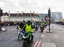 London UK - 1st April, 2017 EN BEGÄRAN kallar på nya Londo arkivbilder