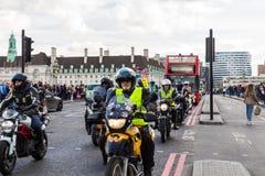 London UK - 1st April, 2017 EN BEGÄRAN kallar på nya Londo Fotografering för Bildbyråer