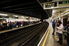 London underjordisk station Arkivfoton