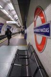 London underjordisk station Fotografering för Bildbyråer