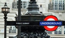 London underjordiskt rörtecken Arkivfoto