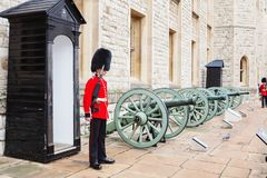 LONDON, UNITED KINGDOM - AUGUST 21, 2017 : Royal Guard at Tower Stock Photos