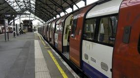 LONDON-UNTERTAGEU-Bahn Lizenzfreie Stockbilder