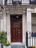 London utsmyckad dörr royaltyfri fotografi