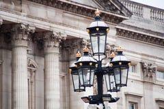 London utsmyckat gataljus arkivbilder