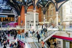 LONDON, VEREINIGTES KÖNIGREICH - 17. JANUAR 2016: Liverpool-Straßen-Station Stockbilder