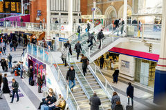 LONDON, VEREINIGTES KÖNIGREICH - 17. JANUAR 2016: Liverpool-Straßen-Station Lizenzfreie Stockfotografie