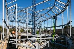 LONDON, VEREINIGTES KÖNIGREICH - 4. MAI 2016 - Stahlrahmen des Neubaus im Bau stockfotos