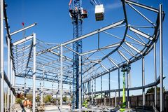 LONDON, VEREINIGTES KÖNIGREICH - 4. MAI 2016 - Stahlrahmen des Neubaus im Bau lizenzfreie stockfotografie