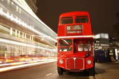 London-Weg-Hauptbus Stockfotos
