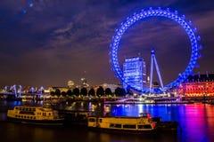 Londoneye par nuit Photographie stock libre de droits