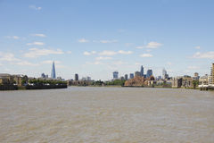 Londons-Skyline, wie von Canary Wharf angesehen Stockbilder