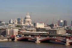 Londonstr. pauls Lizenzfreie Stockfotos