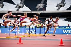 Londra 2012 eventi della prova: transenne di 100m   Immagini Stock