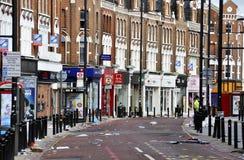 LONDRA - 9 AGOSTO: La zona della giunzione di Clapham è sacke Immagini Stock