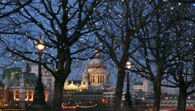 Londra alla notte Fotografie Stock