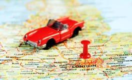 Londra, auto BRITANNICA del perno della mappa Immagini Stock Libere da Diritti