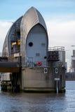 LONDRA - 10 GENNAIO: Vista della barriera di Tamigi a Londra il 10 gennaio Immagini Stock
