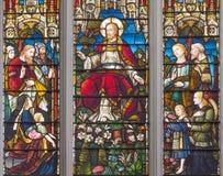 LONDRA, GRAN BRETAGNA - 14 SETTEMBRE 2017: L'insegnamento di Gesù sul vetro macchiato nella st Catharine Cree della chiesa fotografia stock libera da diritti