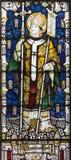 LONDRA, GRAN BRETAGNA - 17 SETTEMBRE 2017: St Augustine di Canterbury sul vetro macchiato in st Barnabas della chiesa immagine stock libera da diritti