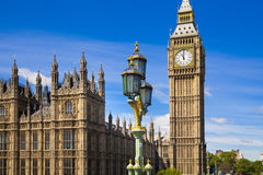 LONDRA, il Regno Unito - 24 giugno 2014 - Big Ben e Camere del Parlamento Immagini Stock Libere da Diritti