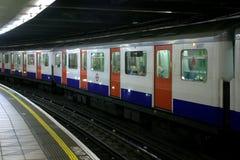 Londra - il tubo (treno di U) Fotografia Stock