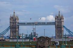 LONDRA, INGHILTERRA - 15 GIUGNO 2016: Vista panoramica del Tamigi in città di Londra, Inghilterra Immagine Stock Libera da Diritti