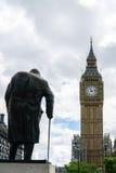 LONDRA - 30 LUGLIO: Statua di Winston Churchill a Londra luglio Fotografia Stock