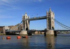 Londra. Ponticello della torretta Fotografie Stock