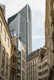 Londra, Regno Unito - 31 agosto 2016: Vecchi costruzioni ed edificio di Willis Fotografia Stock Libera da Diritti