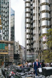 Londra, Regno Unito - 31 agosto 2016: Vista attraverso gli edifici di Willis e di Lloyds Fotografia Stock