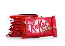 LONDRA, REGNO UNITO - 7 DICEMBRE 2017: Barra di cioccolato di Kit Kat su bianco Le barre di Kit Kat è prodotta dalla società di N Immagine Stock Libera da Diritti