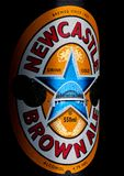 LONDRA, REGNO UNITO - 10 GENNAIO 2018: Imbottigli l'etichetta della birra della birra inglese del mestiere di Newcastle Brown sul Immagini Stock Libere da Diritti