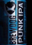LONDRA, REGNO UNITO - 20 GENNAIO 2018: Latta di alluminio del classico moderno Ipa della posta punk della birra di Brewdog, dalla Immagine Stock Libera da Diritti