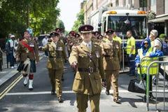 LONDRA, REGNO UNITO - 29 GIUGNO: Reggimento scozzese che marcia a sostegno della t Fotografia Stock Libera da Diritti