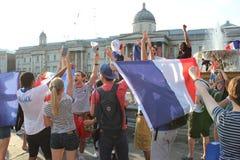 Londra, Regno Unito: 15/7/2018 - i tifosi della Francia del francese celebrano la coppa del Mondo di conquista Fotografia Stock