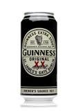 LONDRA, REGNO UNITO - 29 MAGGIO 2017: Alluminium può della birra originale di Guinness su bianco La birra di Guinness è stata pro Immagine Stock Libera da Diritti
