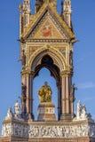 LONDRA, REGNO UNITO - 13 NOVEMBRE 2018: Vista frontale di Albert Memorial in Hyde Park fotografia stock libera da diritti
