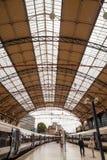 28 07 2015 LONDRA, Regno Unito - vista della stazione di Victoria Immagini Stock Libere da Diritti