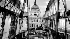 Londra Saint Paul & x27; cattedrale di s fotografie stock libere da diritti