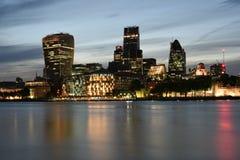 Londra via iconica maestosa di Fenchurch dei grattacieli 20 di Regno Unito, Londra, Leadenhall, 30 st costruzioni del cetriolino  Fotografia Stock