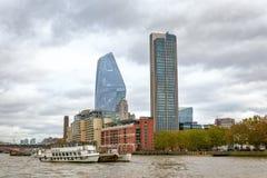 Londra, vista dal Tamigi fotografia stock libera da diritti