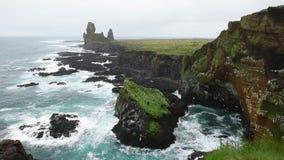 Londrangarklippen in IJsland stock video
