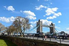 LONDRES - Abril 12,2016: Puente de la torre de Londres Fotografía de archivo