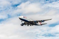 LONDRES, ANGLETERRE - 22 AOÛT 2016 : G-CIVJ British Airways Boeing 747 débarquant dans l'aéroport de Heathrow, Londres Photos stock