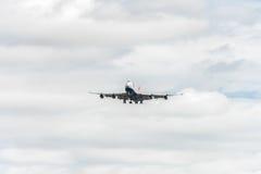 LONDRES, ANGLETERRE - 22 AOÛT 2016 : G-CIVJ British Airways Boeing 747 débarquant dans l'aéroport de Heathrow, Londres Photographie stock libre de droits