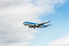 LONDRES, ANGLETERRE - 22 AOÛT 2016 : PH-BXN KLM Boeing 737 débarquant dans l'aéroport de Heathrow, Londres Image libre de droits