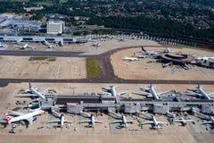 LONDRES, ANGLETERRE - 13 juillet 2017 - aéroport de Gatwick avant le débarquement Image libre de droits